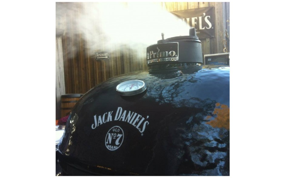 Primo_grill_S.E_1_oval_XL_400_Jack_Daniels_special_edition_Bydnd_keramische_houtskool_barbecue_L.jpg